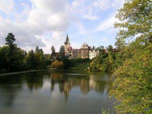 Prodej nestadardní vily/řadového domu v Průhonicích.