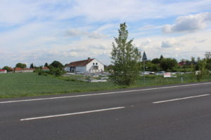 Prodej haly na okraji obce Mlčechvosty, část obce Vraňany v okrese Mělník